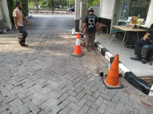 Parking gate BPKP Matraman (3)